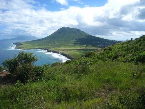 The Quill torent boven Sint Eustatius uit