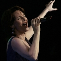 Maya Hakvoort